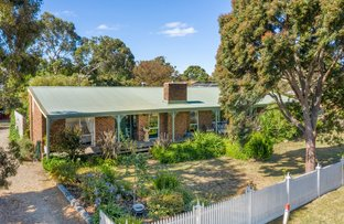 Picture of 12 Newnham Drive, Romsey VIC 3434