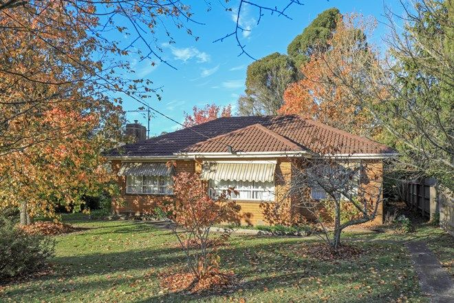 Picture of 26 Carlisle Street, WOODEND VIC 3442