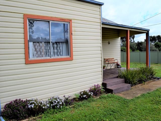 17 Campbell Street, Grenfell NSW 2810, Image 1