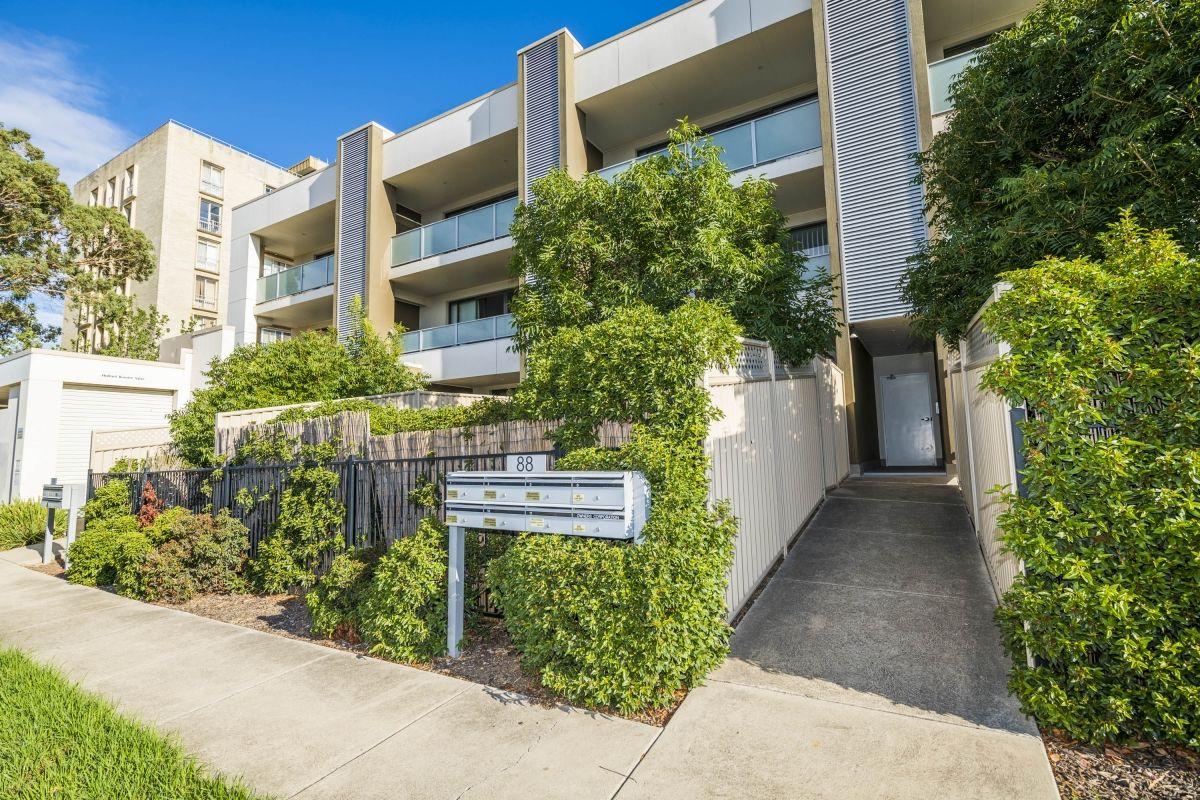 2/88 Henderson Road, Crestwood NSW 2620, Image 0