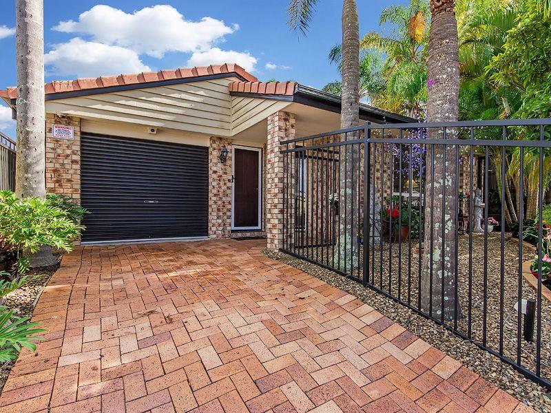 17 Highfield Drive, Merrimac QLD 4226, Image 2