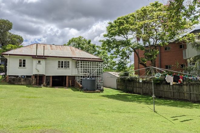 Picture of 38 Brisbane Street, ST LUCIA QLD 4067