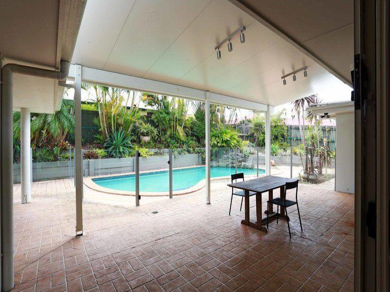 4 Serenella Court, Buderim QLD 4556, Image 2