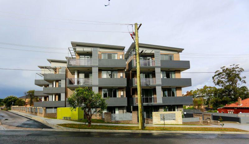 5/2-4 Belinda Place, Mays Hill NSW 2145, Image 0