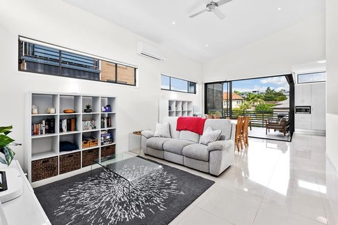Picture of 2/69 Forbes Street, HAWTHORNE QLD 4171