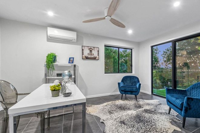 Picture of 18 Oxley Terrace, CORINDA QLD 4075