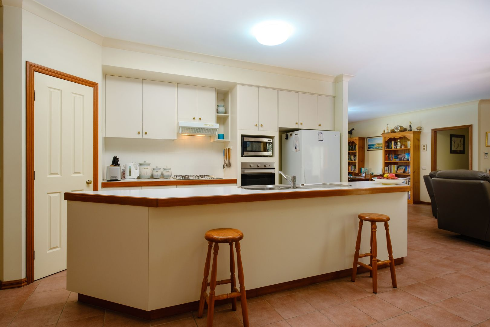 5 Carbine Court, West Albury NSW 2640, Image 2