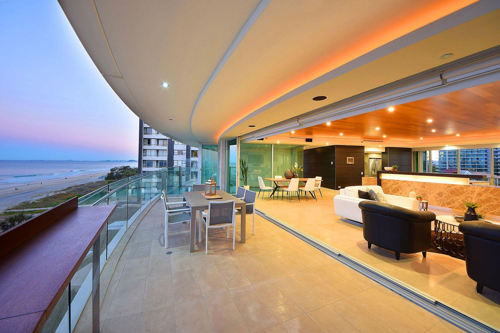 4 'Jade' 35 Northcliffe Terrace, Surfers Paradise QLD 4217, Image 2