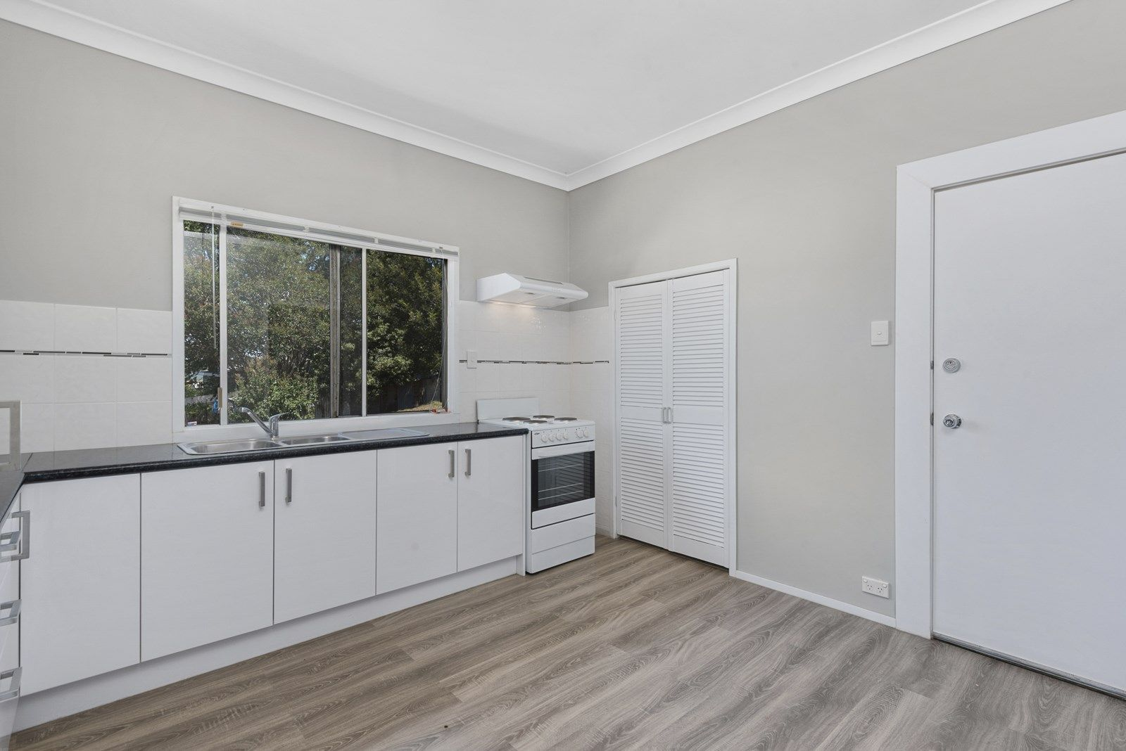 73 Vanity Street, Rockville QLD 4350, Image 2