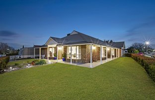 Picture of 2 Beauford Avenue, Narre Warren South VIC 3805