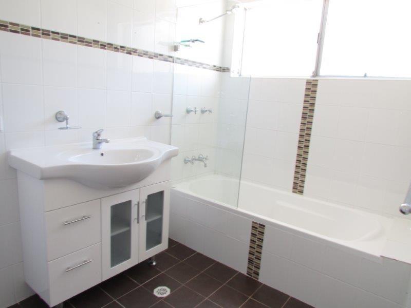 18 Vista Avenue, Farmborough Heights NSW 2526, Image 2
