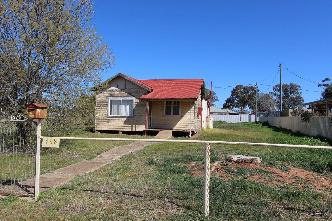 198 Camp Street, Temora NSW 2666, Image 0