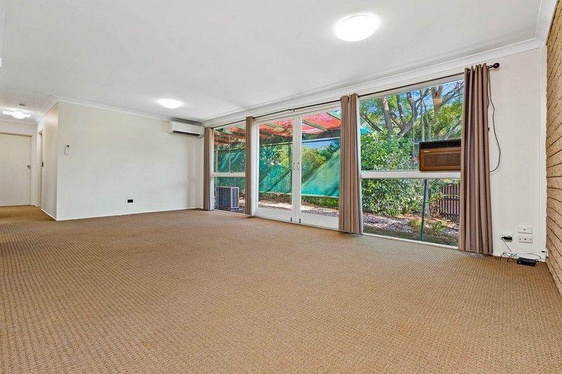 1 Kewarra Street, Kenmore QLD 4069, Image 2