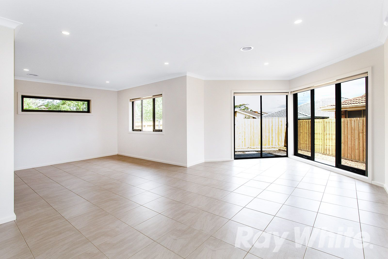 2/5 Watson Close, Rowville VIC 3178, Image 2