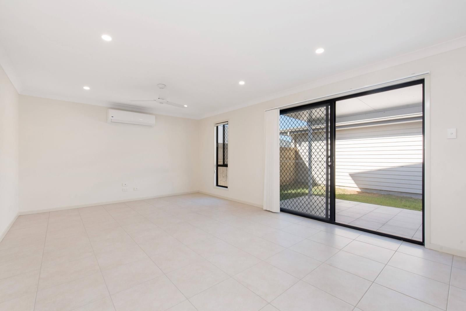 1/26 Dalby Street, Holmview QLD 4207, Image 2