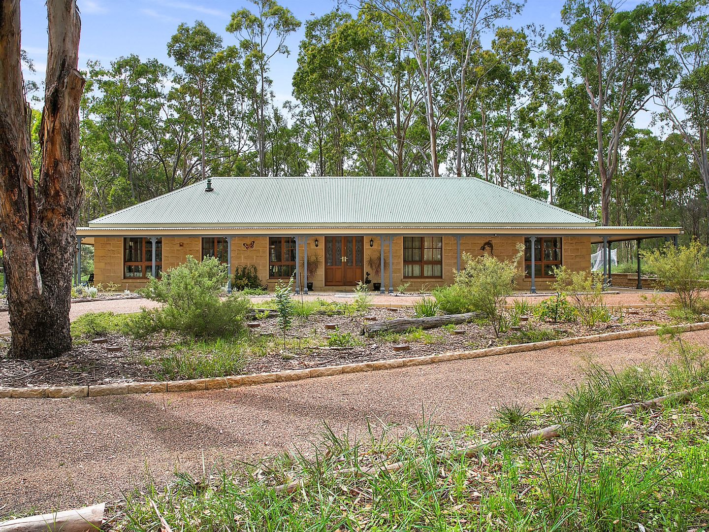 4 Irwin  Close, Greta Main NSW 2325, Image 0