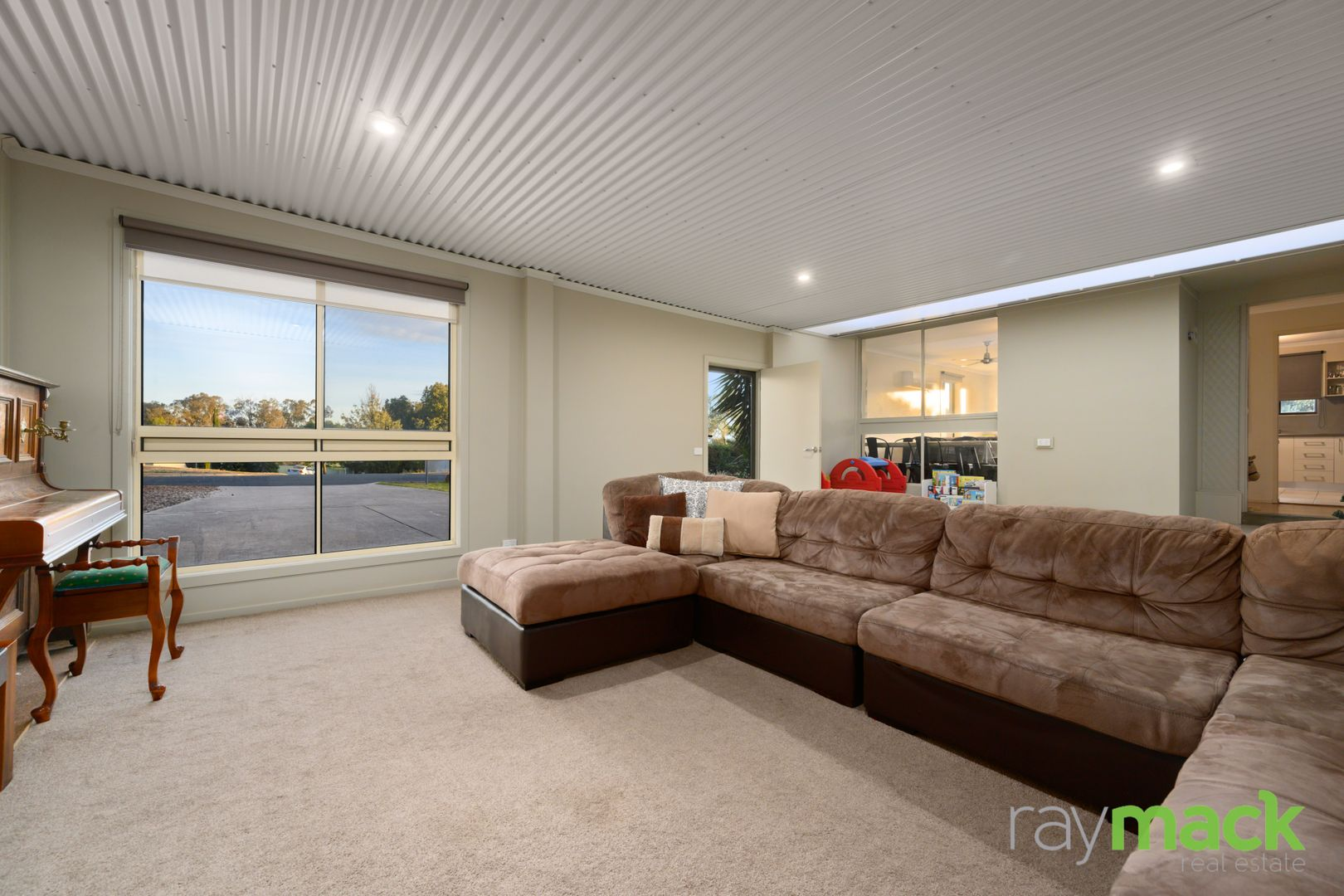 27 Aruma Crescent, Springdale Heights NSW 2641, Image 2