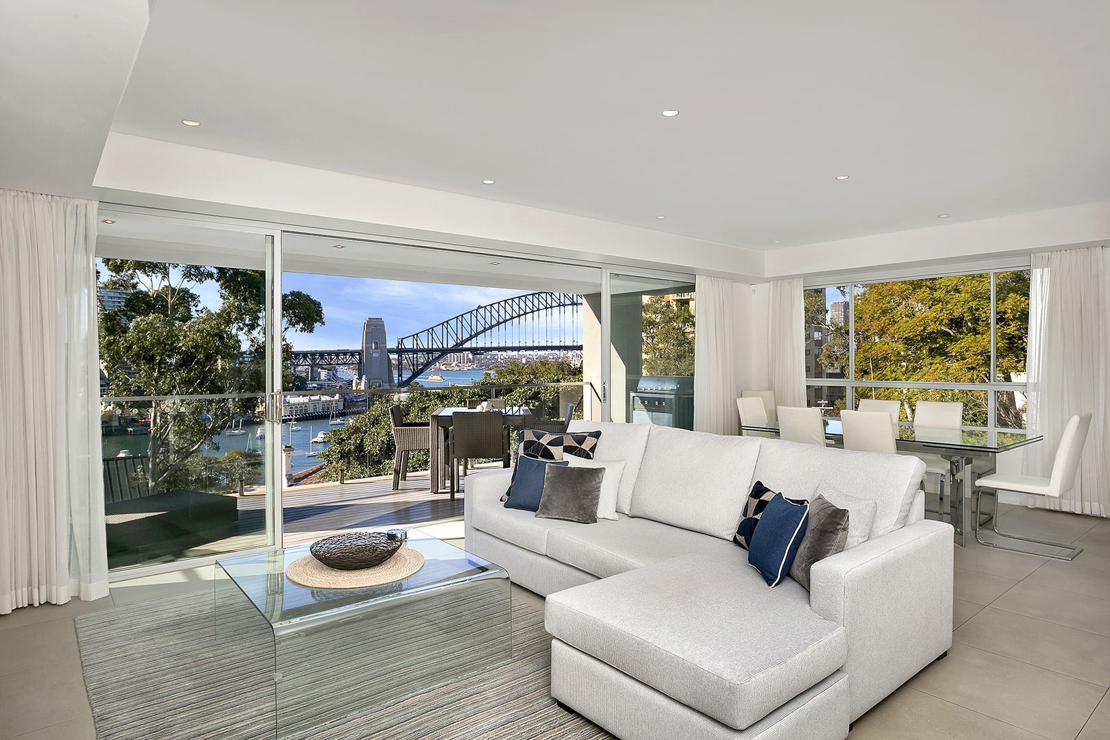 4/28 East Crescent Street, McMahons Point NSW 2060, Image 2