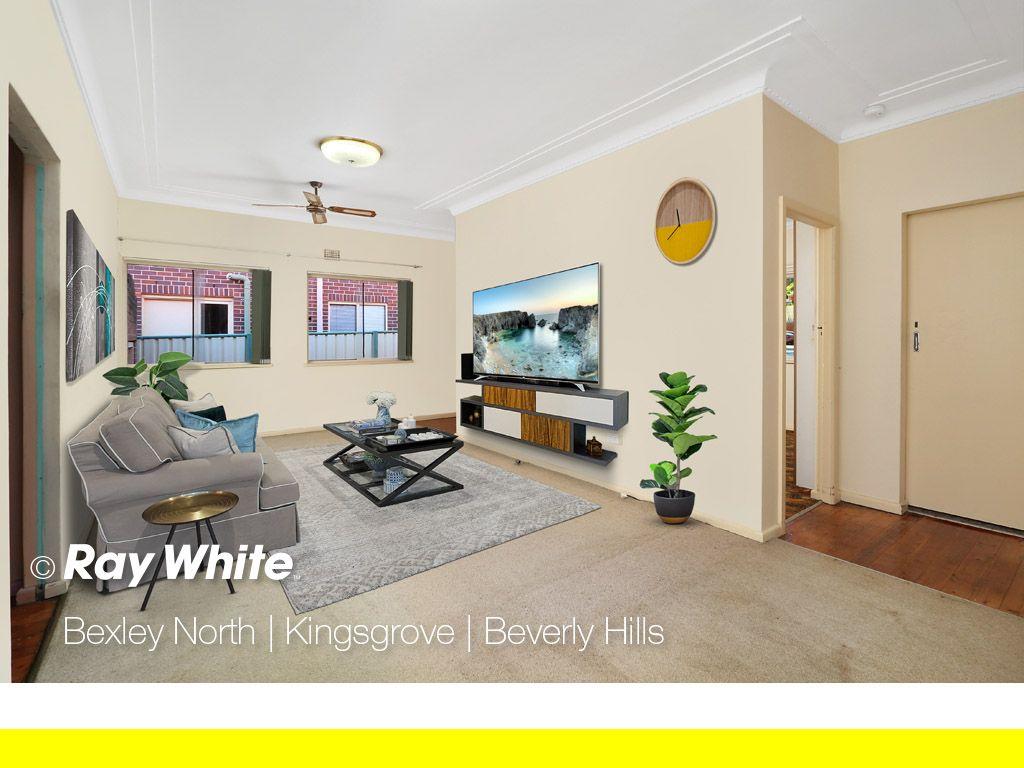 31 Monaro Avenue, Kingsgrove NSW 2208, Image 2