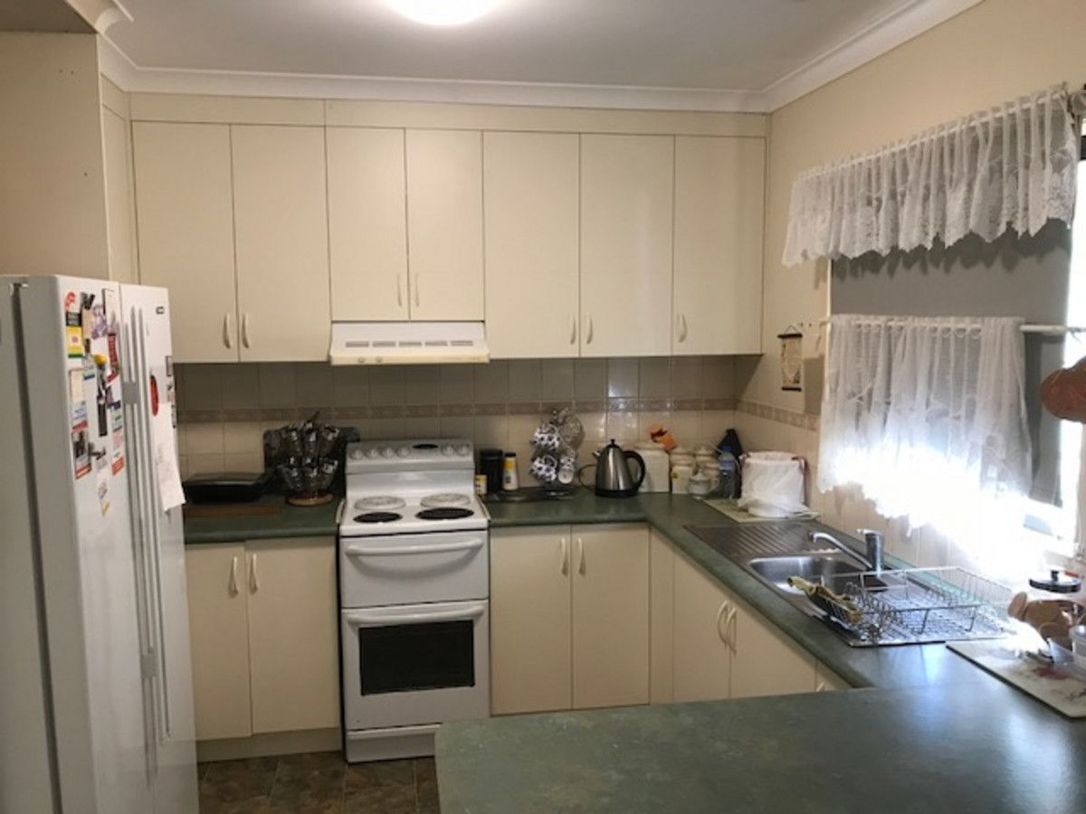 25 Barratta Street, Moulamein NSW 2733, Image 2