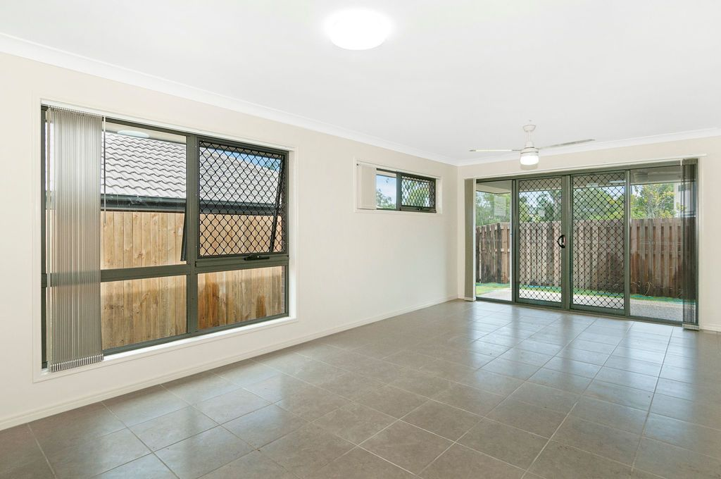 2/7 Sunrise Court, Loganlea QLD 4131, Image 2