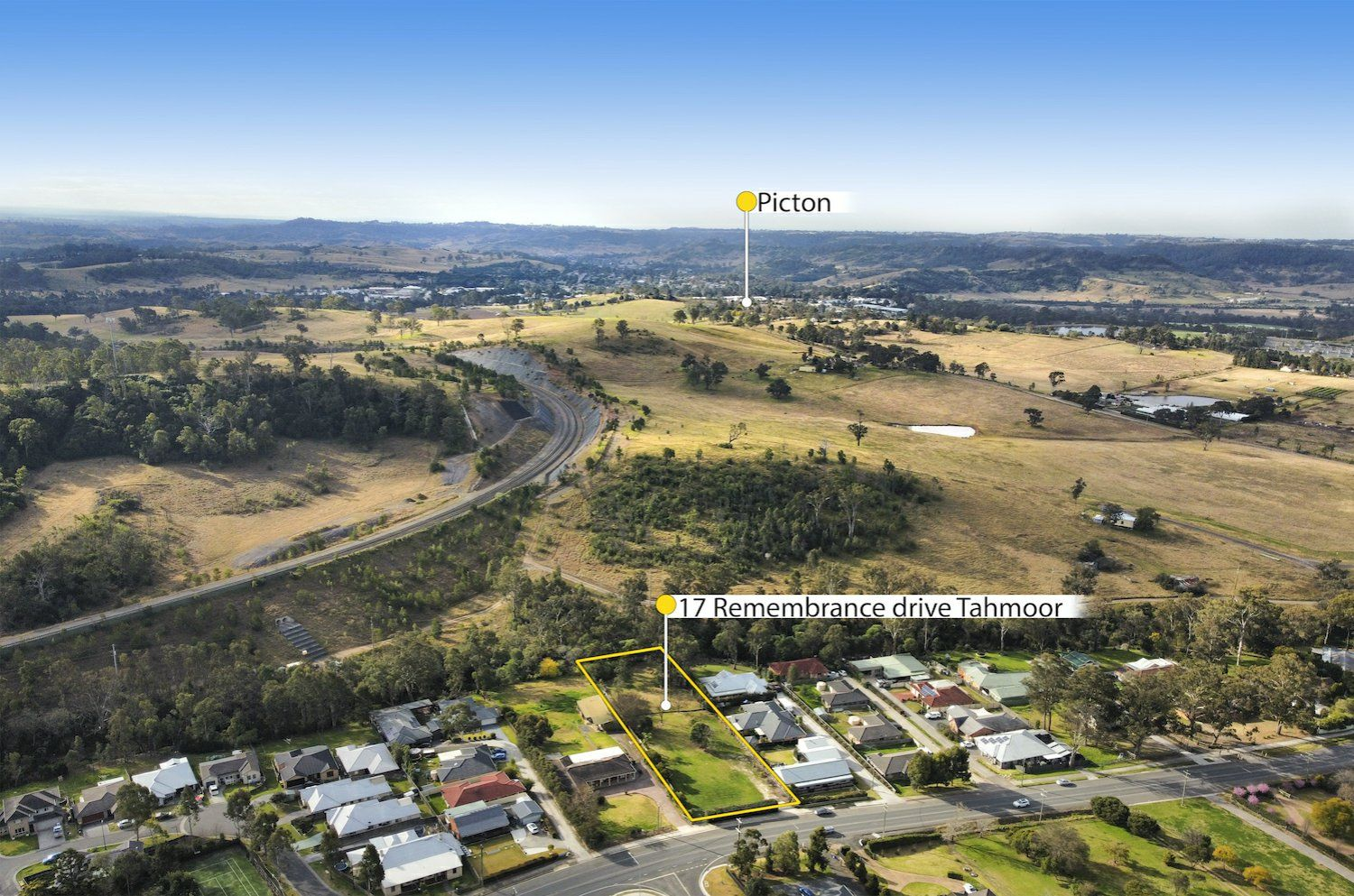 17 Remembrance Drive, Tahmoor NSW 2573, Image 2
