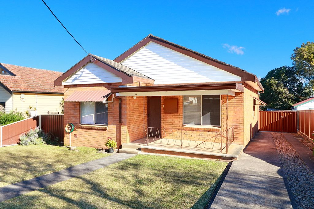 28 Griffiths Avenue, Punchbowl NSW 2196, Image 0