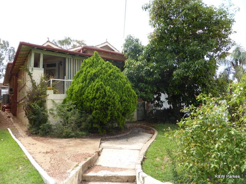 15 Currajong Street, Parkes NSW 2870, Image 0