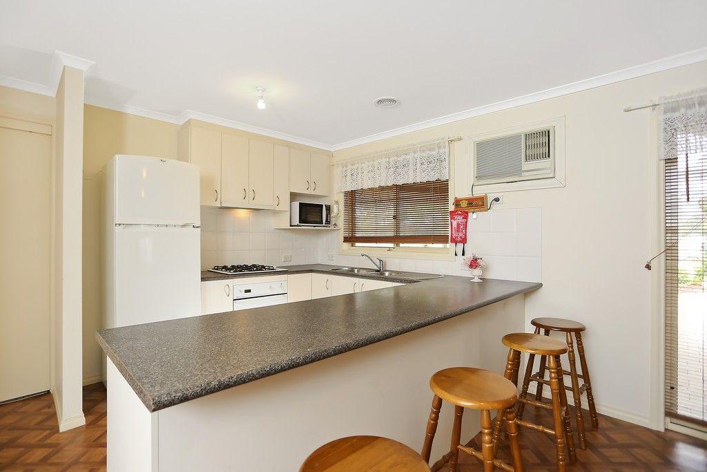 2 Bassett Drive, Strathfieldsaye VIC 3551, Image 2