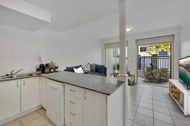 Picture of 4/51 Pittwater Road, MANLY NSW 2095