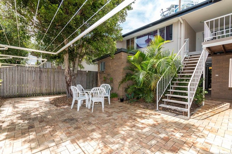 2/3 Central Street, Labrador QLD 4215, Image 0