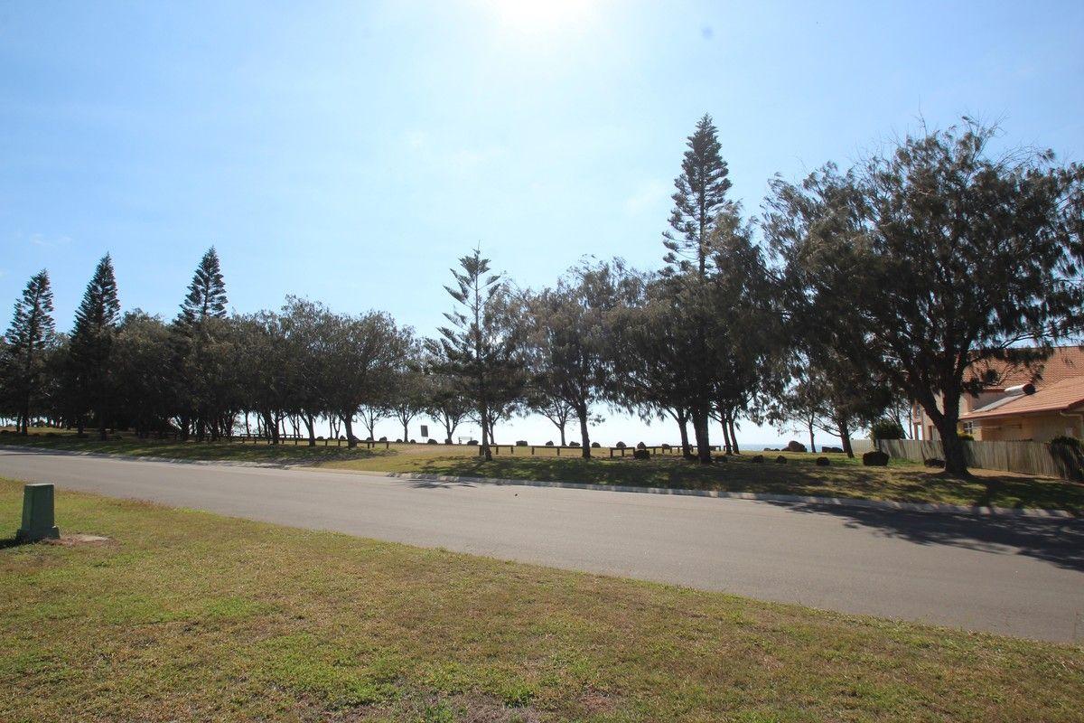 129 Barolin Esplanade, Coral Cove QLD 4670, Image 0