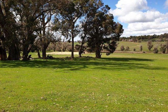 Picture of 118 Banks Road, BOYUP BROOK WA 6244