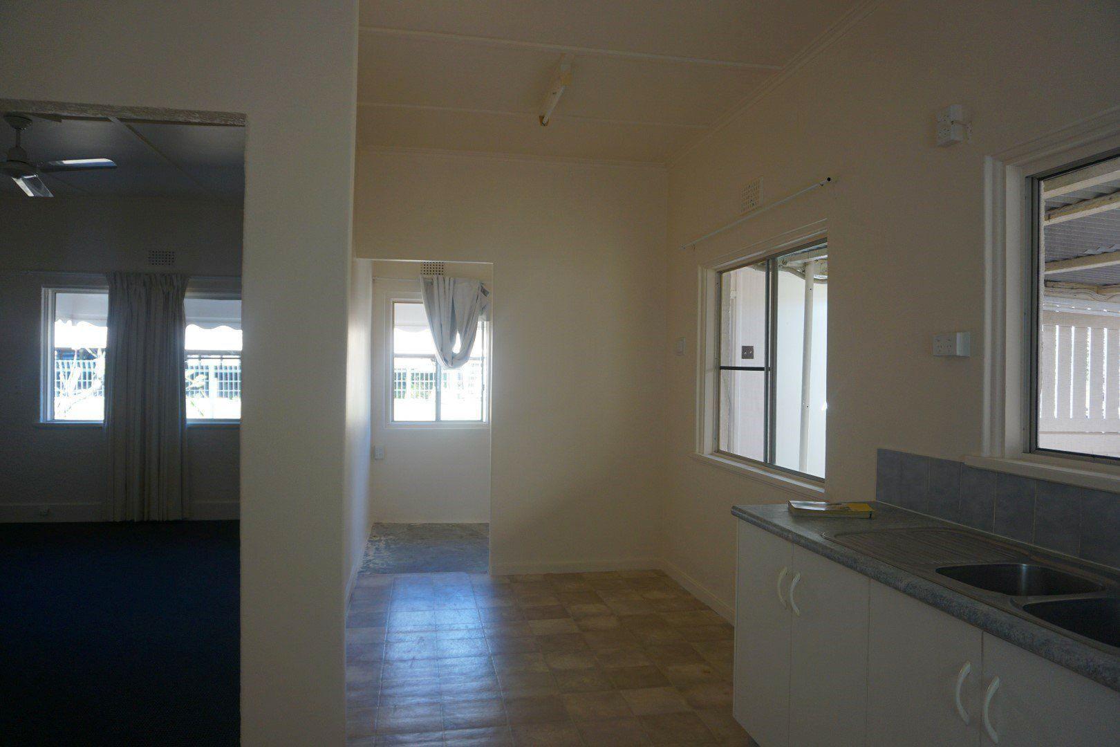 32 Livingstone Street, Bowen QLD 4805, Image 2