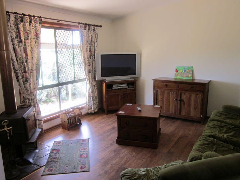 61 North Parham Road, WINDSOR SA 5501, Image 2