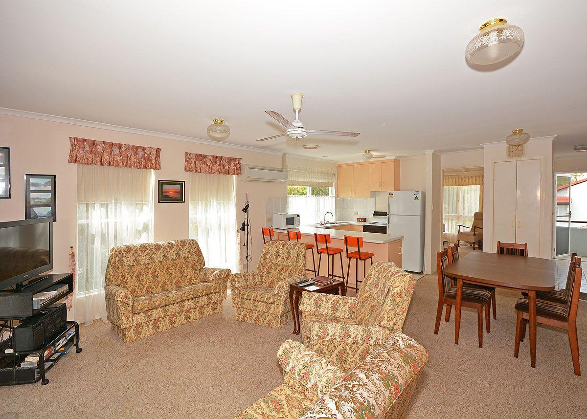 8/404 Esplanade, Torquay QLD 4655, Image 2