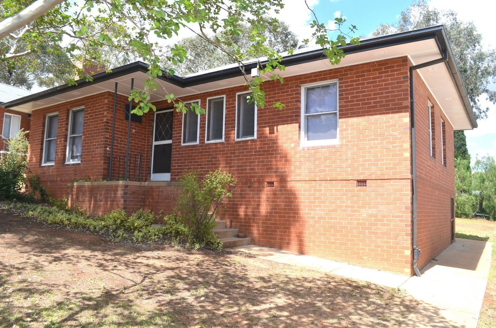 103 Macleay Street, Turvey Park NSW 2650, Image 1