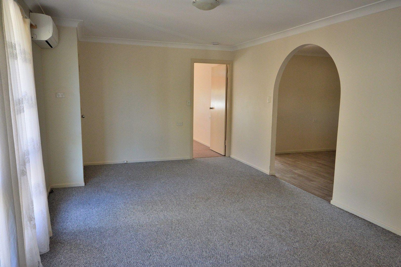 18 O'Brien Street, Warwick QLD 4370, Image 2