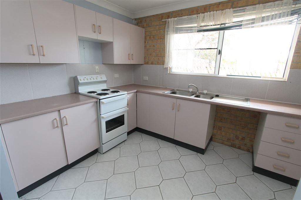4/111 Wilmington Street, Ayr QLD 4807, Image 2