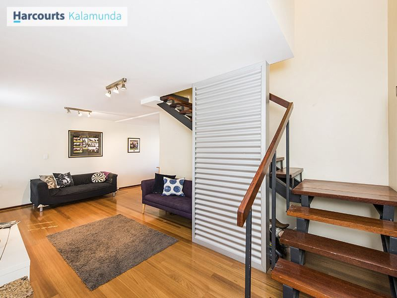 8 Sutherland Close South, Guildford WA 6055, Image 2