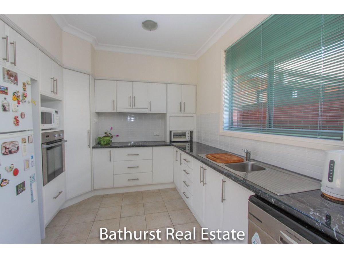 8/48 Rosemont Avenue, Kelso NSW 2795, Image 1