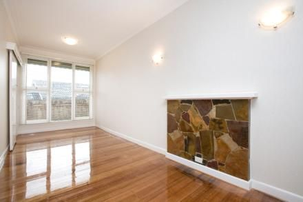 2/17 Garden Road, Camberwell VIC 3124, Image 0