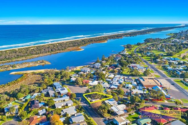 Picture of 15 Long Street, LAKES ENTRANCE VIC 3909