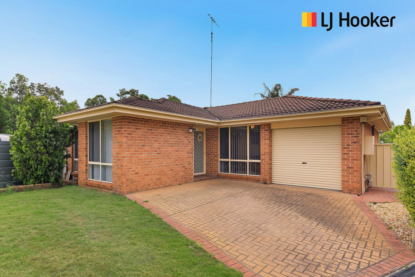 17 Ward Place, Hinchinbrook NSW 2168, Image 0
