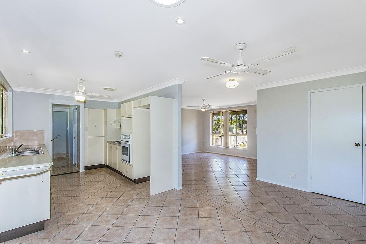 25 Forster Avenue, Watanobbi NSW 2259, Image 2