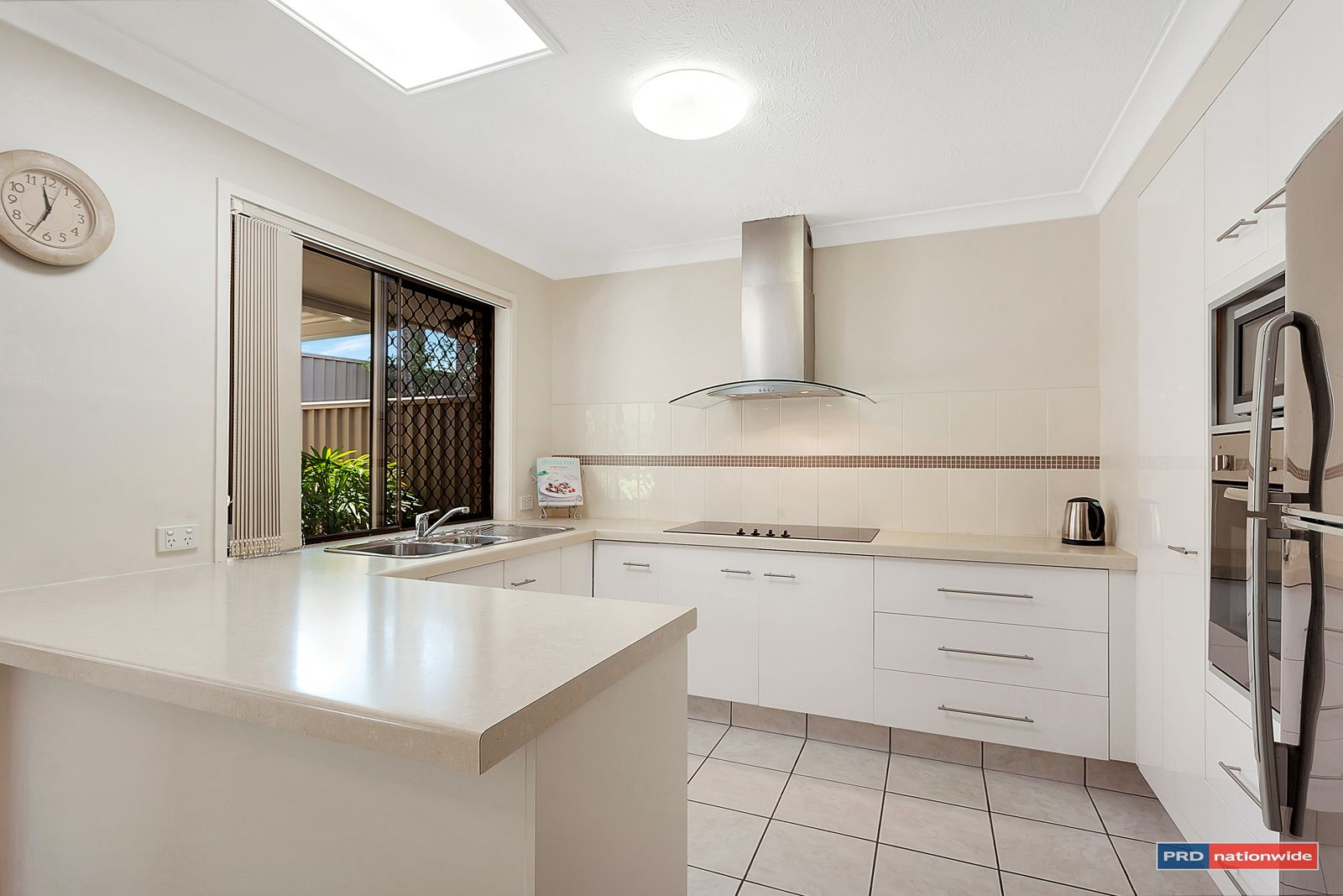 1/11 Snowgum Court, Burleigh Waters QLD 4220, Image 2