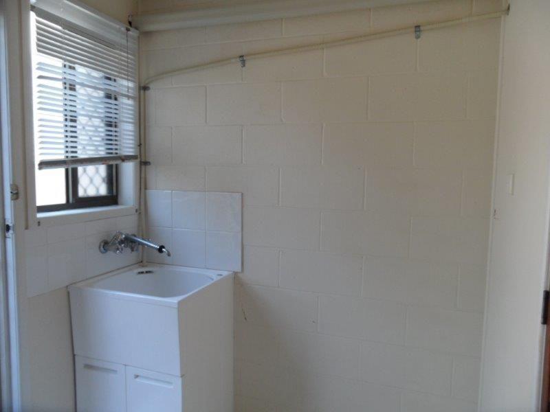 1/1 Cumberland Avenue, Slade Point QLD 4740, Image 2