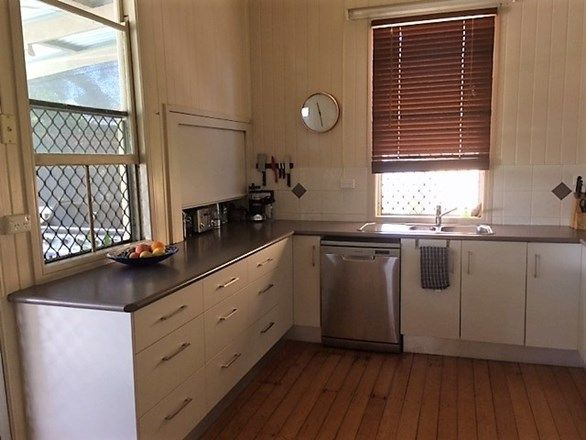 11 Penlington Street, The Range QLD 4700, Image 1