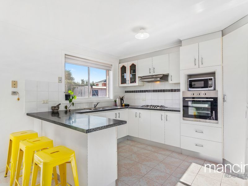 22 Markey Court, Altona Meadows VIC 3028, Image 1
