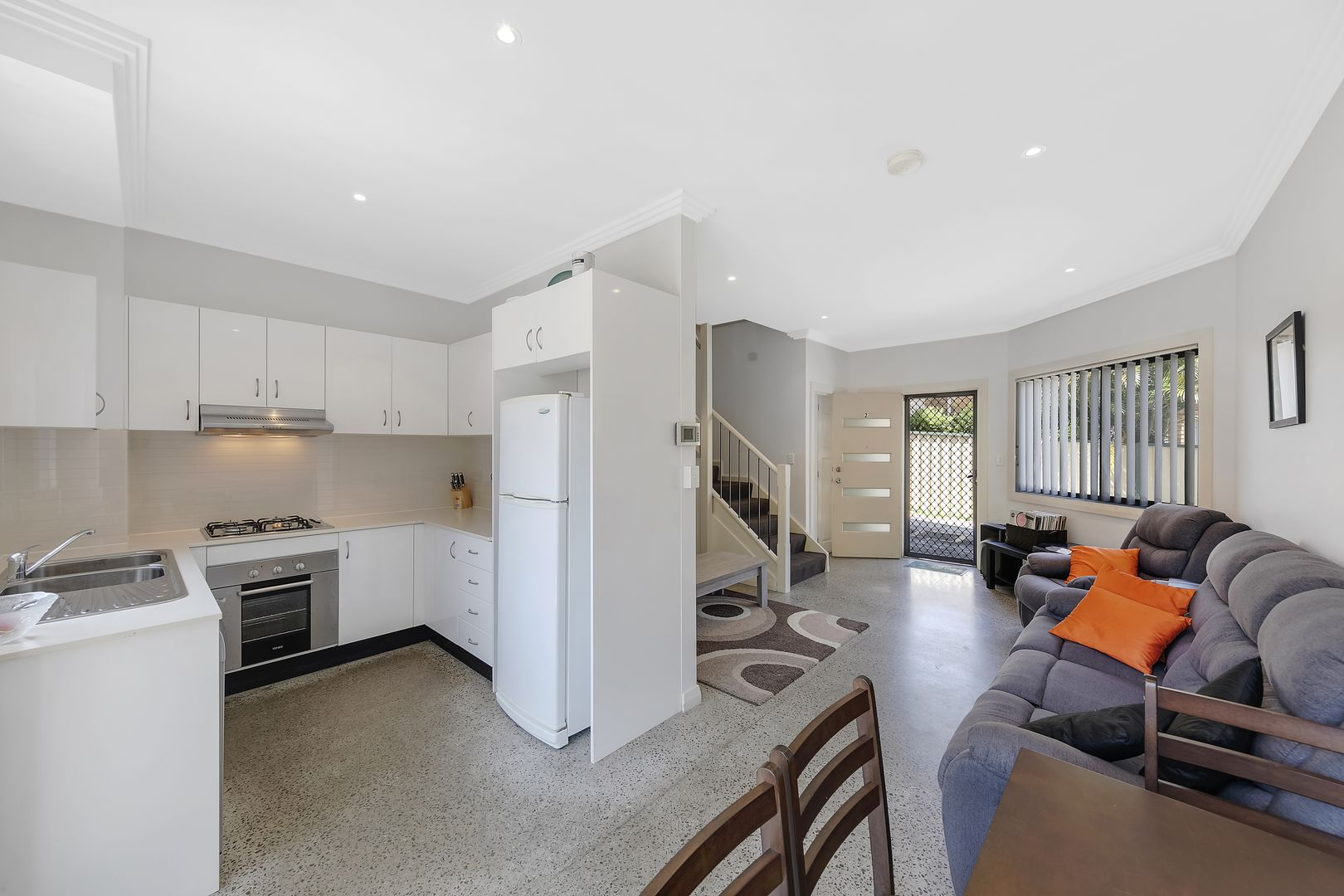 2/284 The Entrance Road, Long Jetty NSW 2261, Image 2